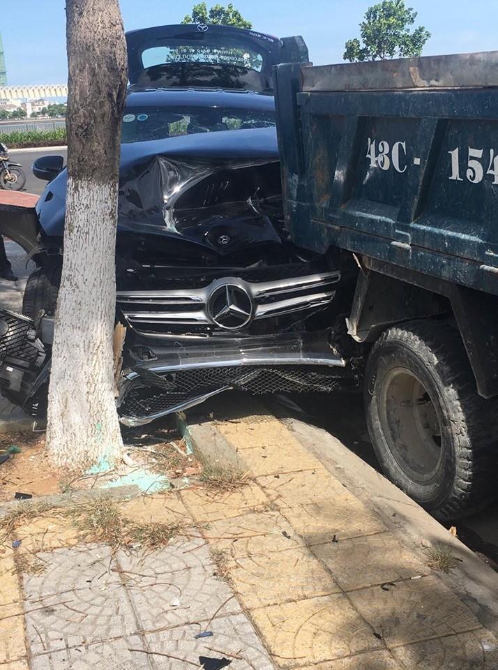 Hiện trường vụ tai nạn liên hoàn tại thành phố Đà Nẵng