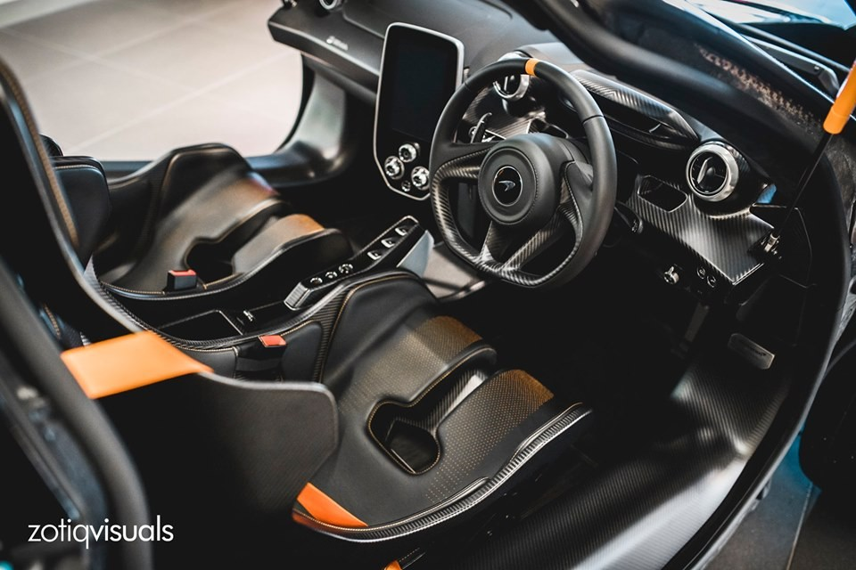 Nội thất của siêu xe triệu đô McLaren Senna đầu tiên tại Đông Nam Á thuộc sở hữu nữ doanh nhân đến từ Singapore