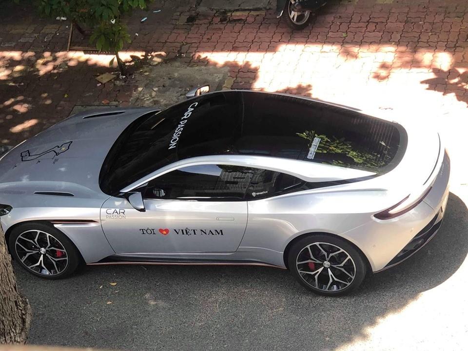 Đây là 1 trong 4 chiếc Aston Martin DB11 V8 tại Việt Nam