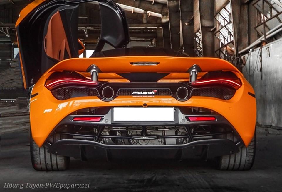 Chiếc McLaren 720S này mang màu sơn cam rất nổi bật