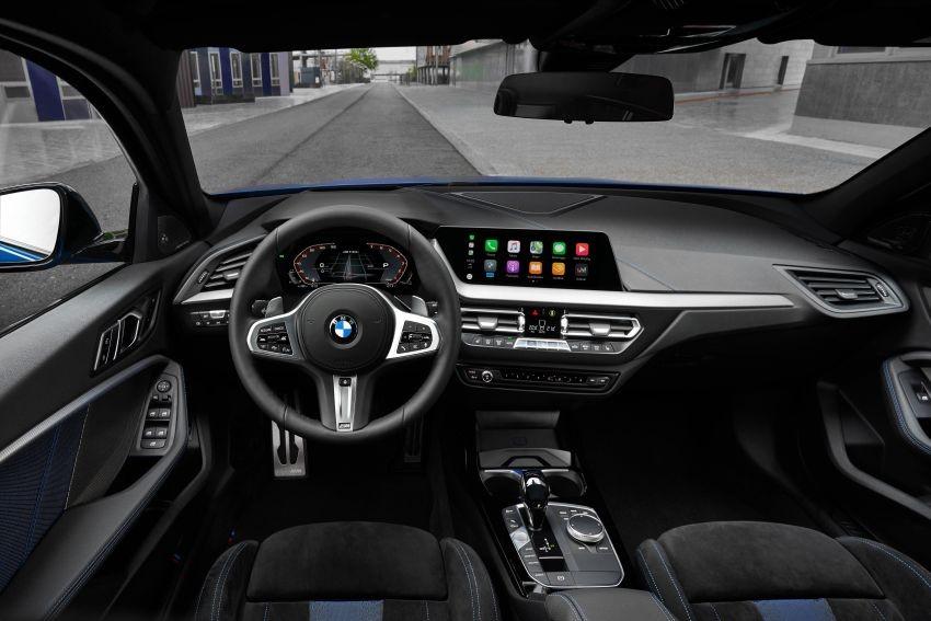 Nội thất bên trong BMW 1-Series 2020 bản cao cấp