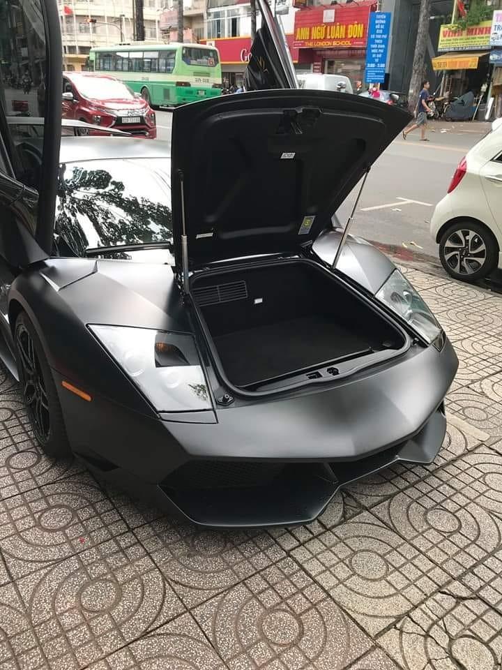 Siêu xe Lamborghini Murcielago LP670-4 SV chỉ được sản xuất 186 chiếc trên thế giới