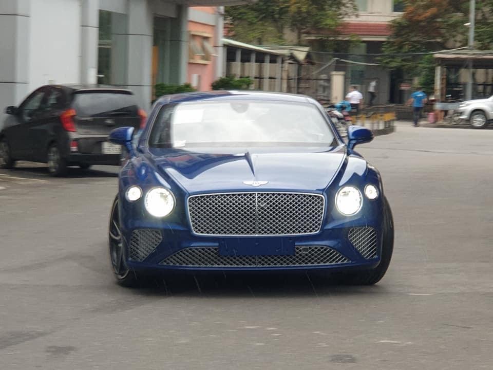 Bentley Continental GT thế hệ mới thứ 2 về Việt Nam