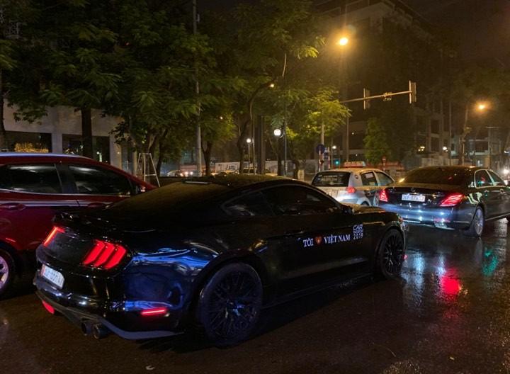 Ford Mustang GT đời 2019 xuất hiện trên đường phố Hà Nội với logo của Car Passion 2019
