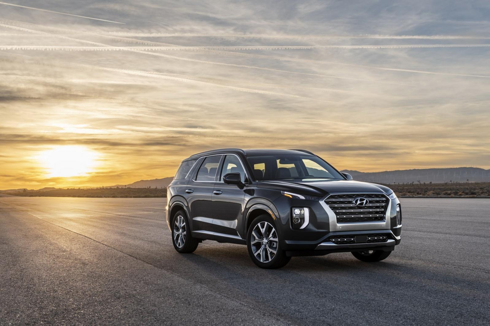 Hyundai Palisade 2020 có giá khởi điểm rẻ hơn Ford Explorer
