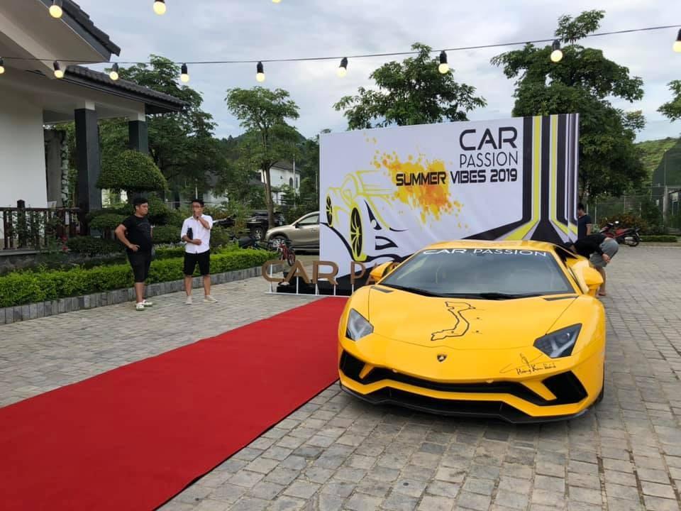 Chủ nhân chiếc Lamborghini Aventador S LP740-4 độc nhất Việt Nam chia sẻ hình ảnh siêu xe này tại Mộc Châu