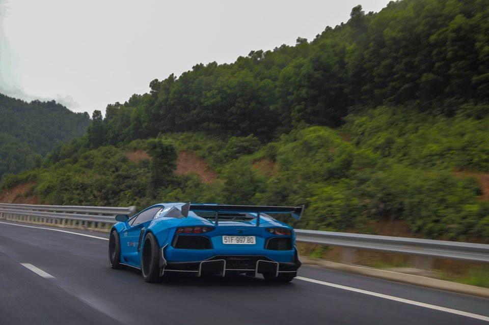 Hành trình Car Passion 2019 doanh nhân Vũng Tàu mang 2 siêu xe đi tham dự nhưng Aston Martin DB11 V8 được chạy chính