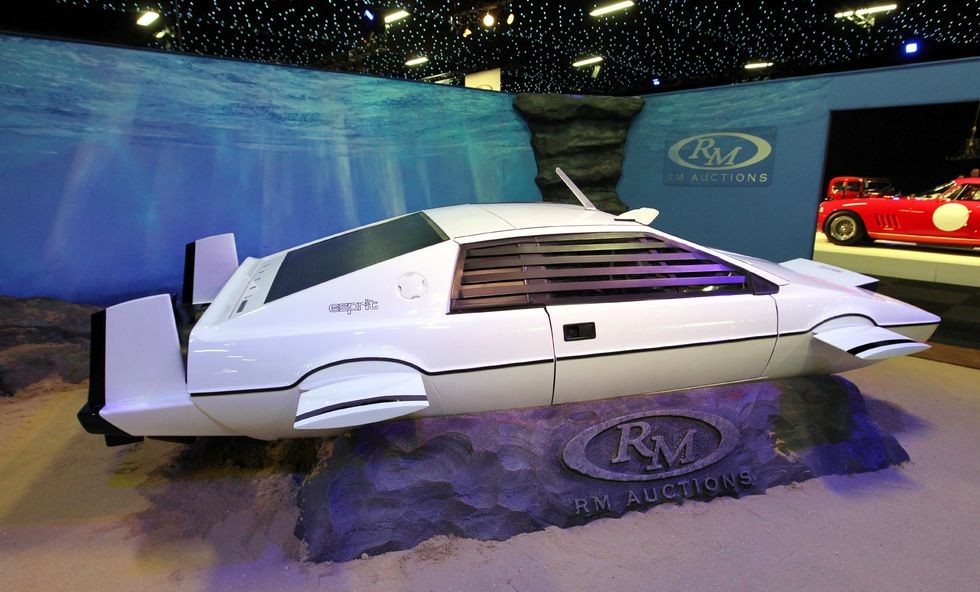 Lotus Esprit, nguồn cảm hứng cho xe lai tàu ngầm của Tesla