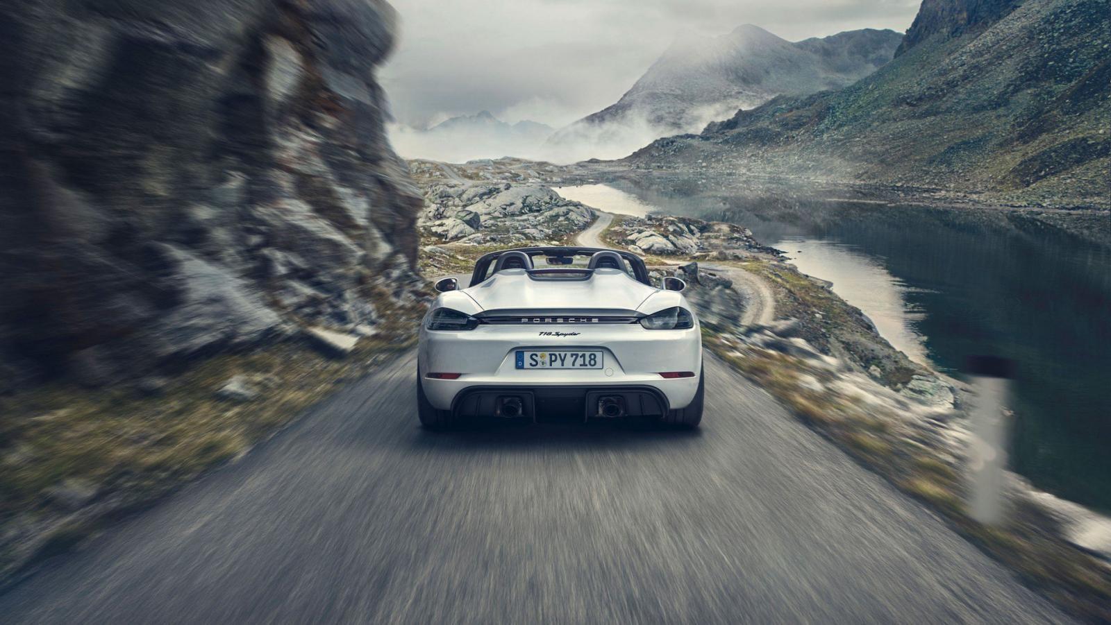 Porsche 718 Boxster Spyder 2020 với thiết kế đuôi xe double bubble