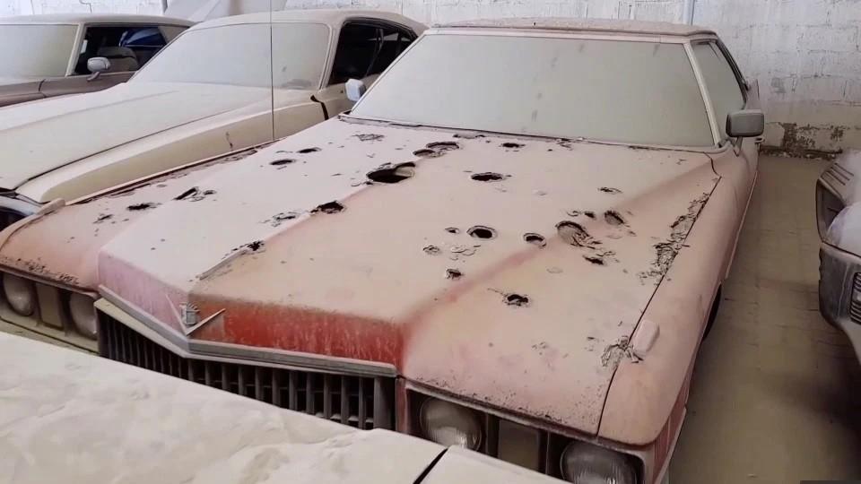 Những chiếc xe bị hư hỏng nặng sau một thời gian dài bị bỏ xó