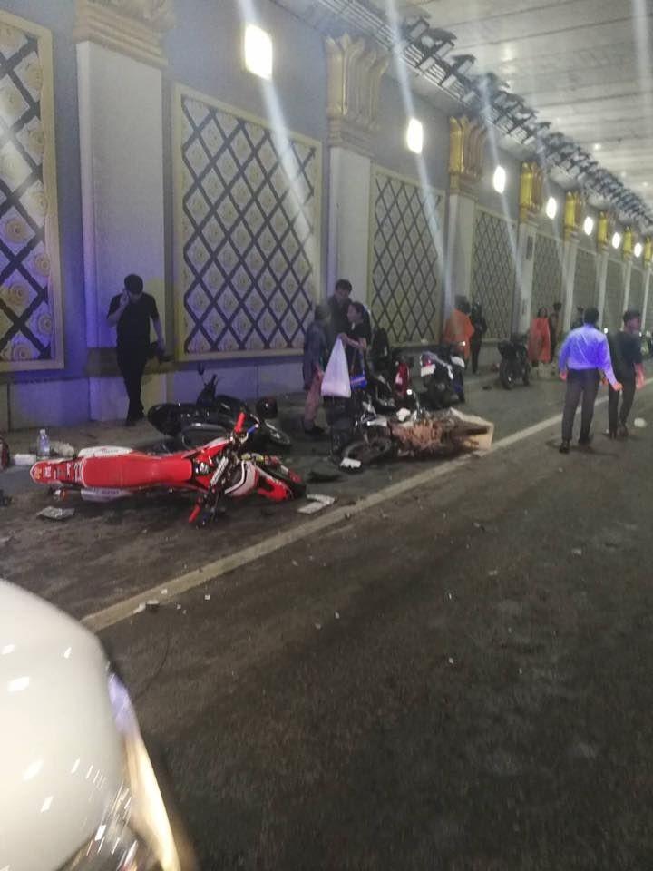 Hiện trường vụ tai nạn trong hầm chui Fa Harm