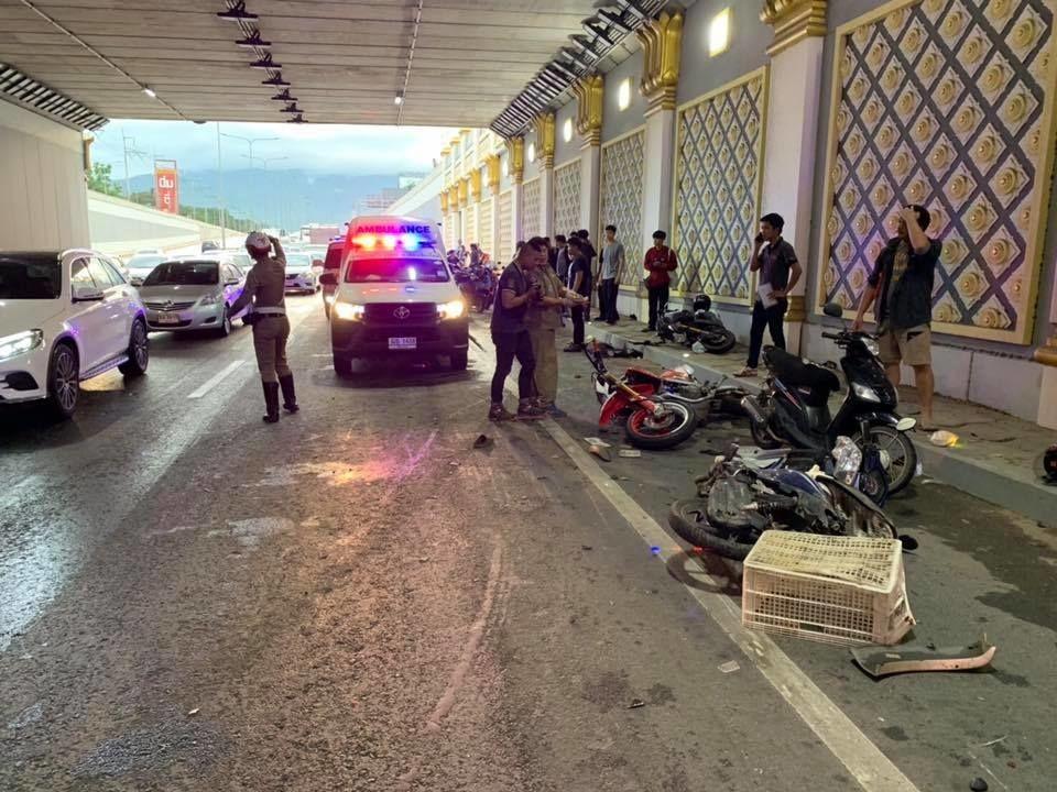 Lực lượng cảnh sát có mặt tại hiện trường vụ tai nạn