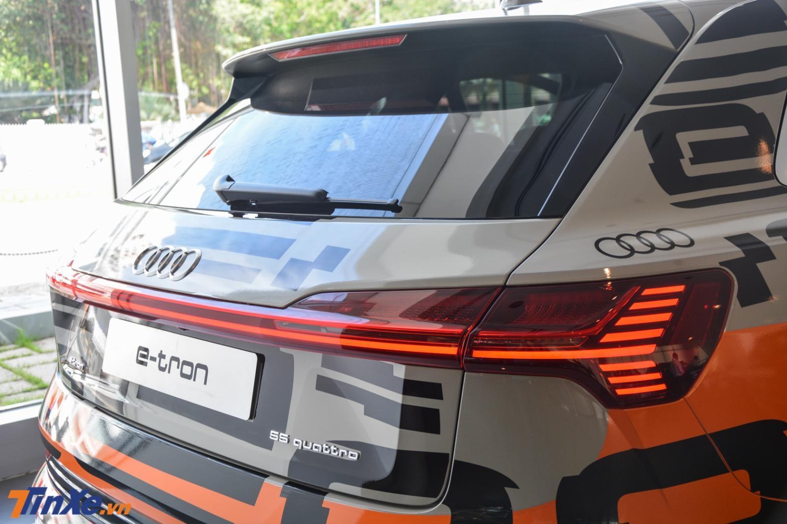 Đèn hậu LED đẹp mắt của Audi e-tron