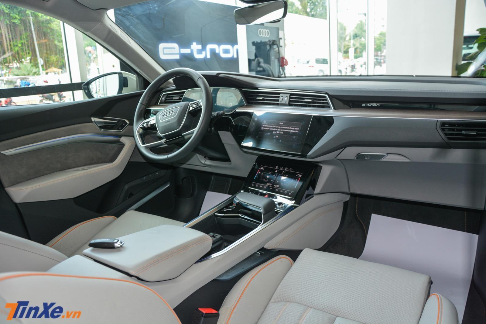 Cận cảnh khoang lái của Audi e-tron