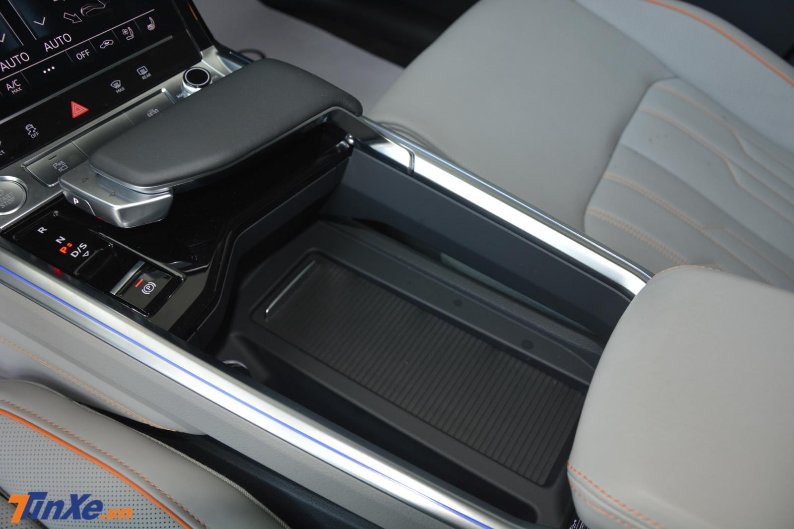 Hệ thống chọn chế độ lái Drive Select của Audi e-tron 2019