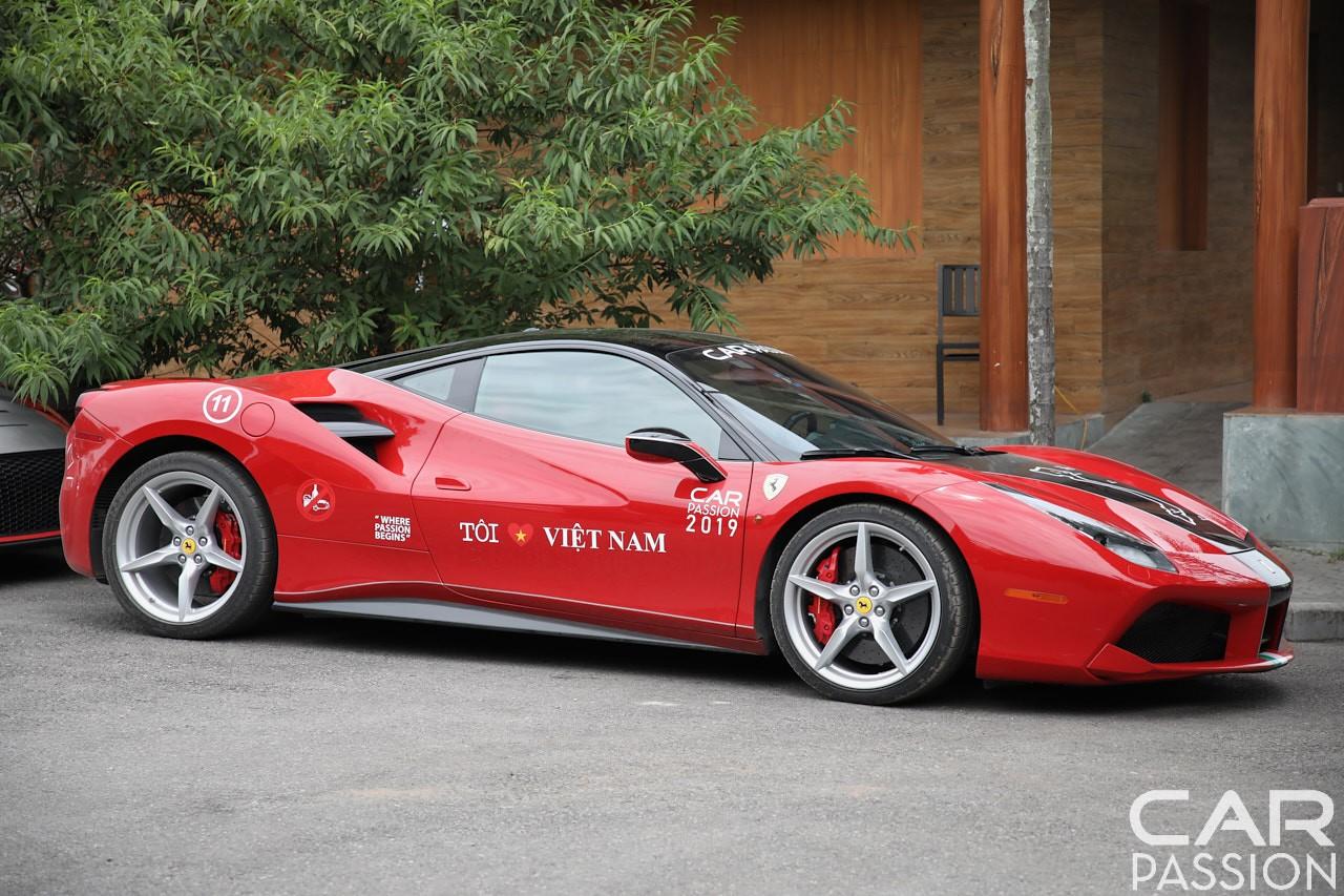 Siêu xe Ferrari 488 GTB màu đỏ