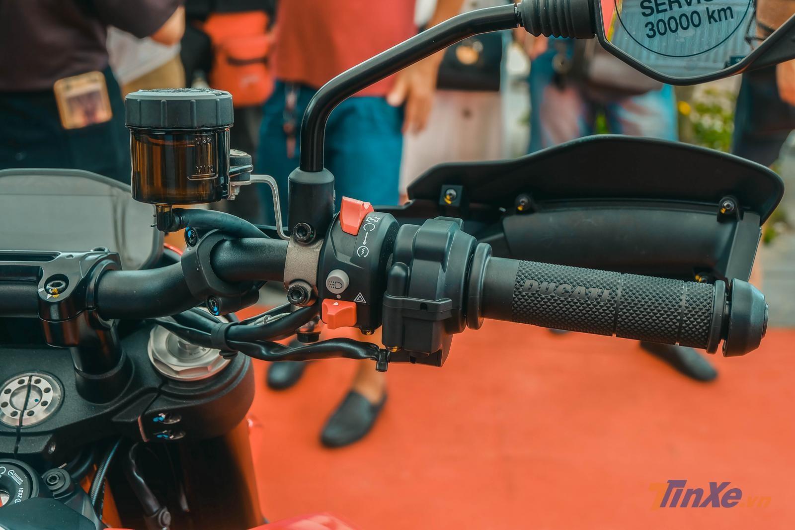 Bộ điều khiển linh hoạt trên Ducati Hypermotard 950 2019