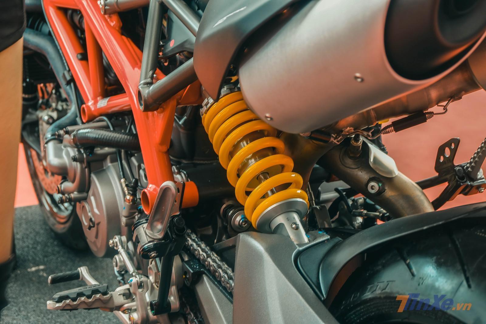 Cặp phuộc trước sau hàng hiệu trên Ducati Hyper Motard 950 2019