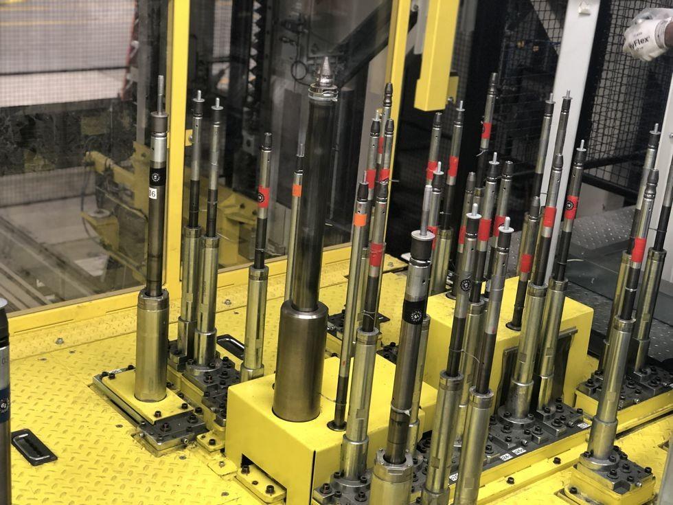 Có một người đảm bảo rằng số đầu vít robot này được trang bị đúng và đủ số vít cần thiết