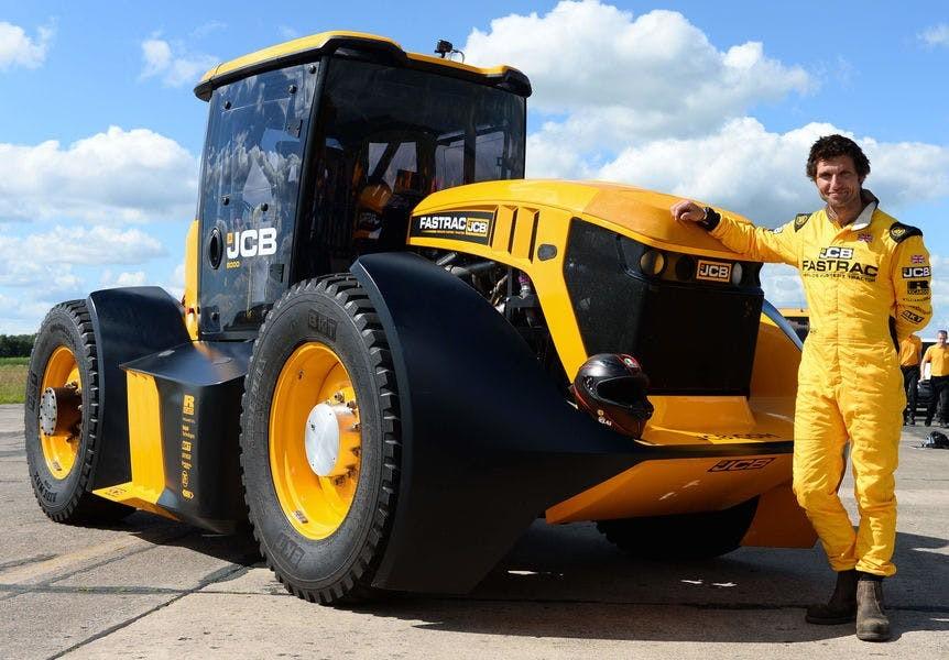 Với một động cơ sản sinh 1.000 mã lực và mô-men xoắn cực đại 2.500 Nm, Fastrac có thể đạt tốc độ 166,7 km/h