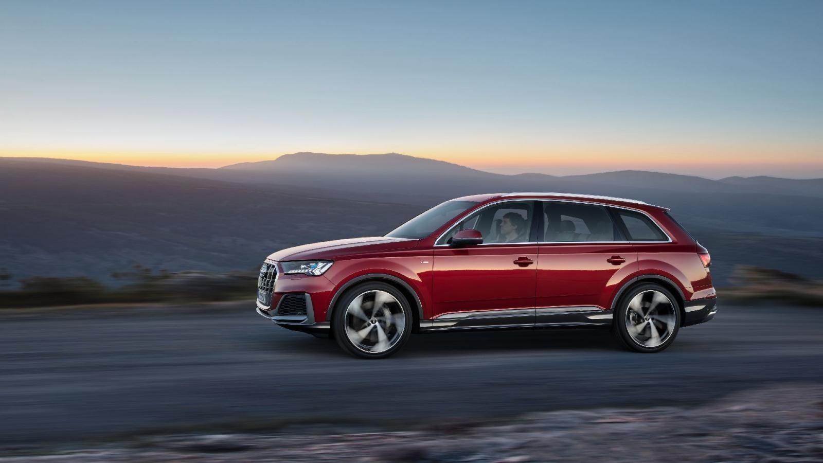 Thiết kế bên sườn của Audi Q7 2020