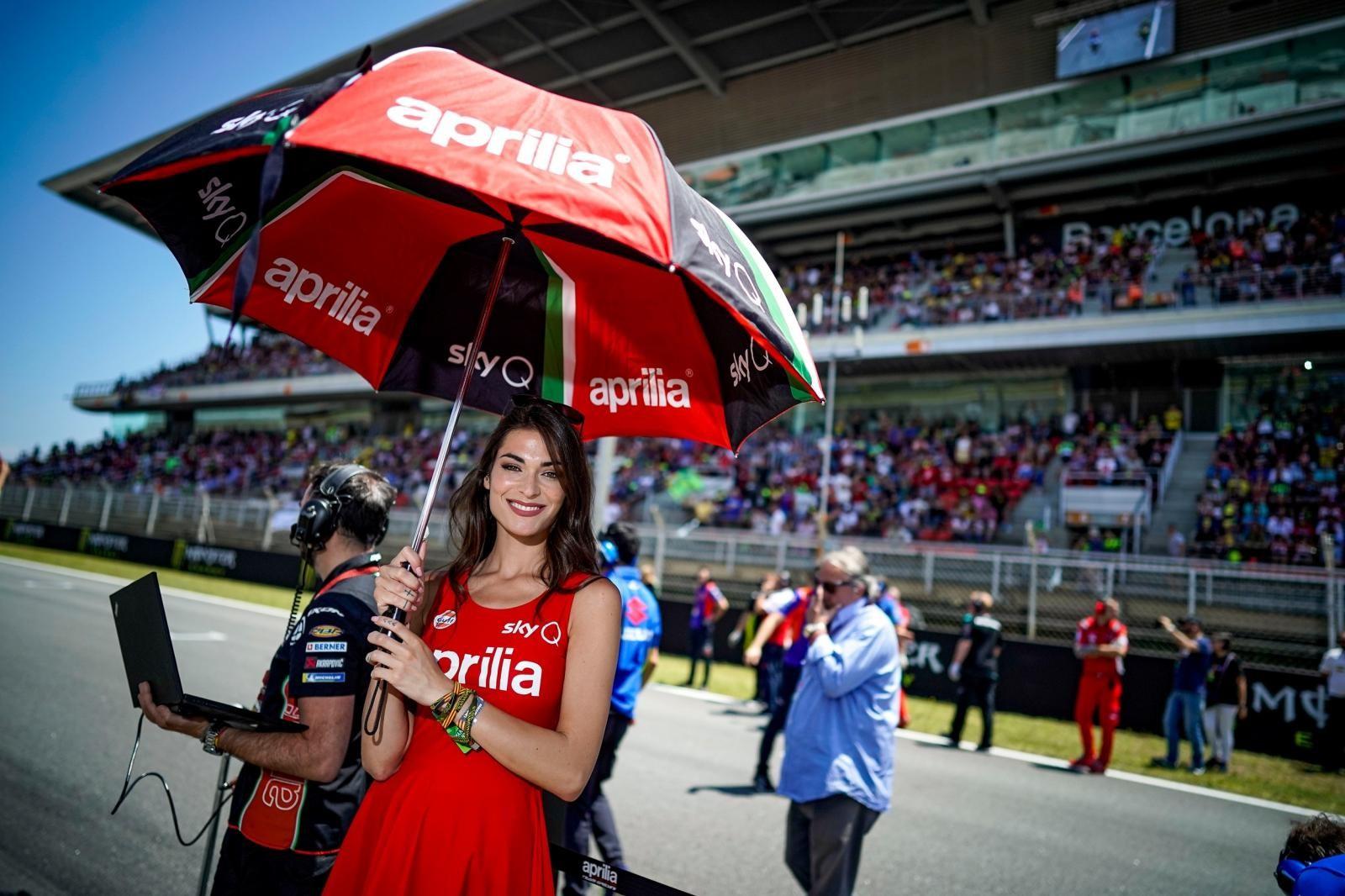 Chùm ảnh người mẫu đẹp mắt ở sự kiện Catalonia Grand Prix MotoGP 2019 - 18