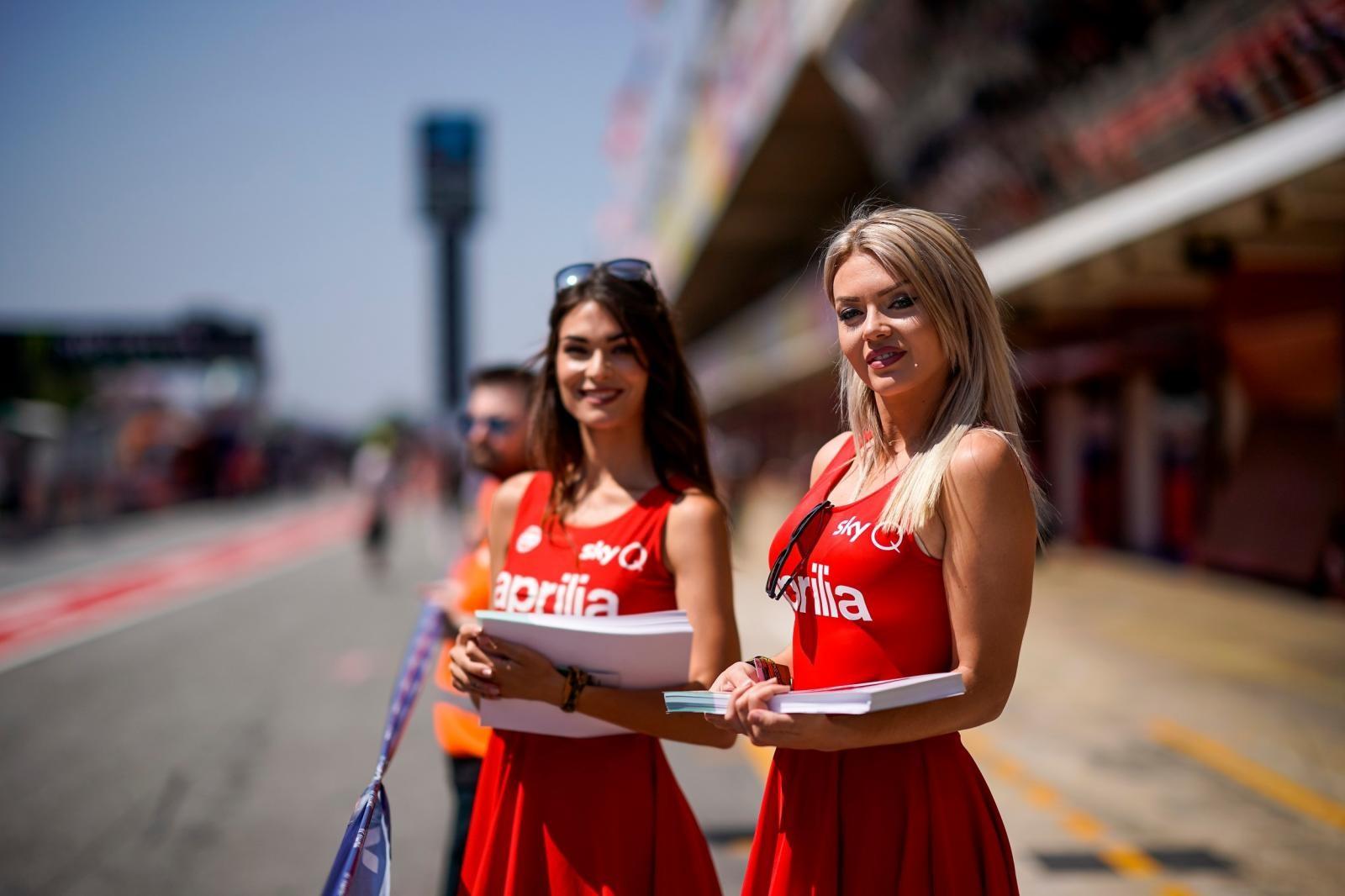 Chùm ảnh người mẫu đẹp mắt ở sự kiện Catalonia Grand Prix MotoGP 2019 - 11