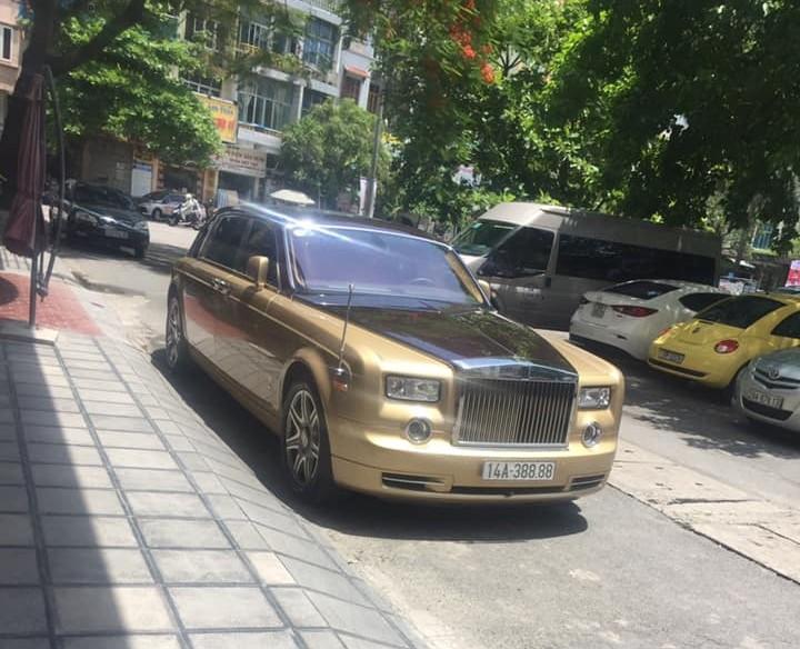 Rolls-Royce Phantom màu độc nhất Việt Nam đang mang biển tứ quý 8