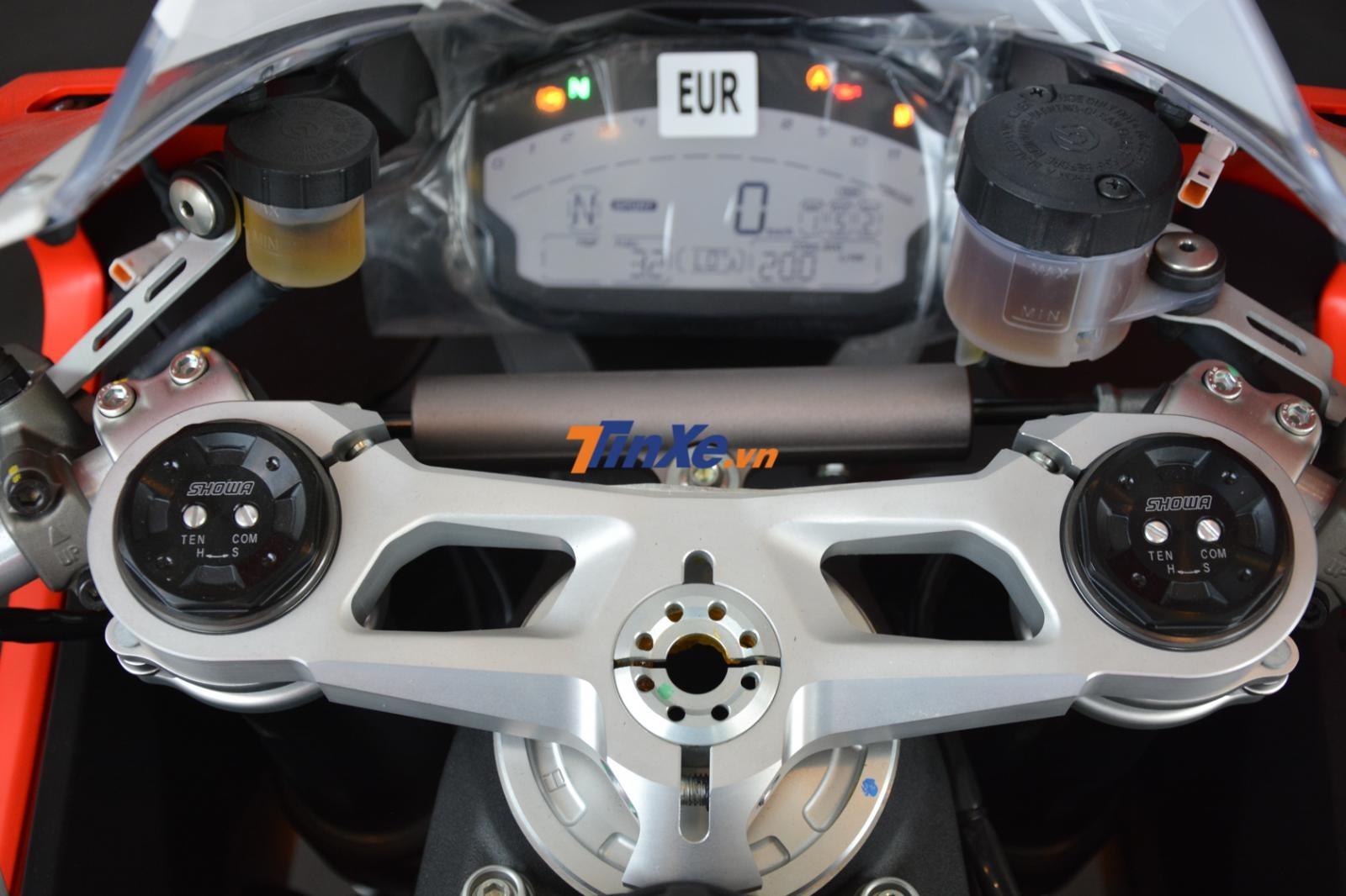Phuộc trước của Ducati 959 Panigale Corse về Việt Nam vẫn của Showa thay cho Ohlins như xe ra mắt tại triển lãm EICMA 2017