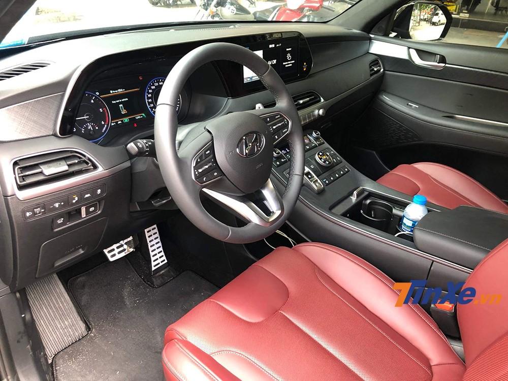 Nội thất khá nhiều nút bấm được trang bị trên Hyundai Palisade 202.