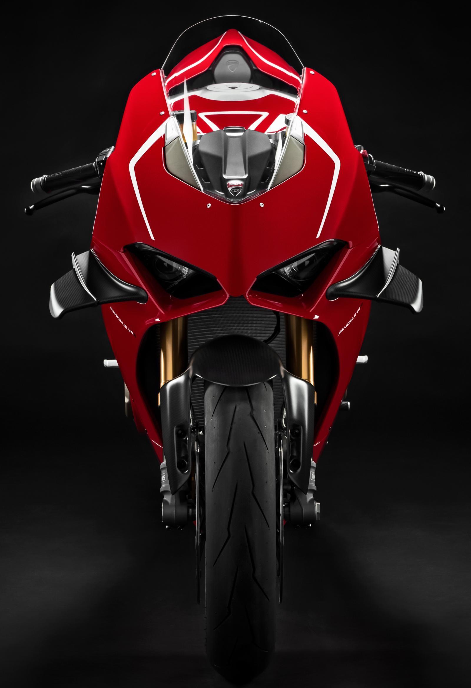 Ducati Panigale V4R trang bị nhiều công nghệ điện tử hỗ trợ