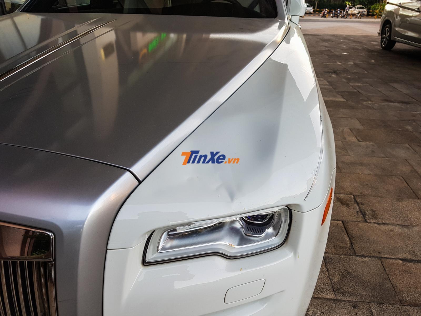 Cận cảnh vết móp của chiếc xe siêu sang Rolls-Royce Ghost xuất hiện tại tỉnh Quảng Nam
