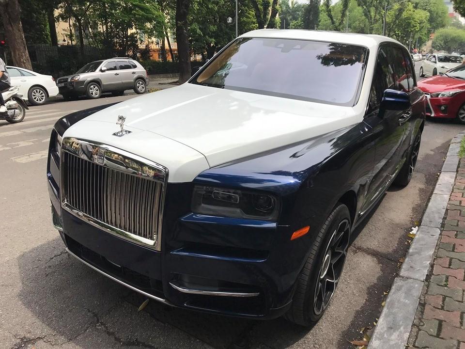 Chiếc SUV siêu sang Rolls-Royce Cullinan này nguyên bản có màu sơn trắng