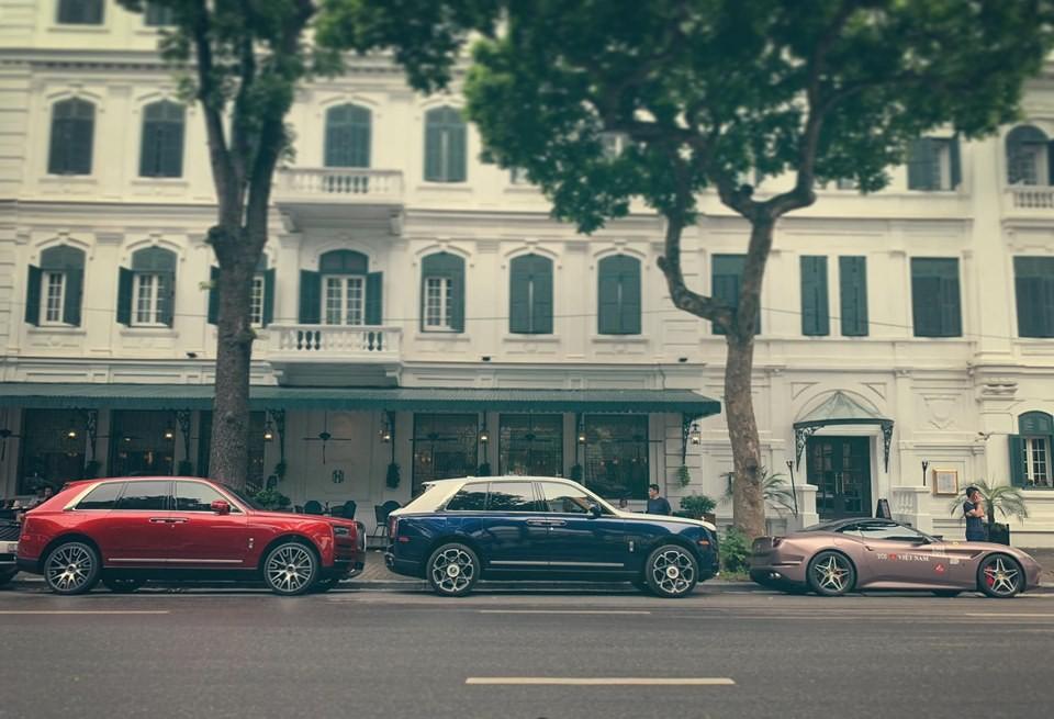 Bộ đôi SUV siêu sang Rolls-Royce Cullinan cùng siêu xe <a class=
