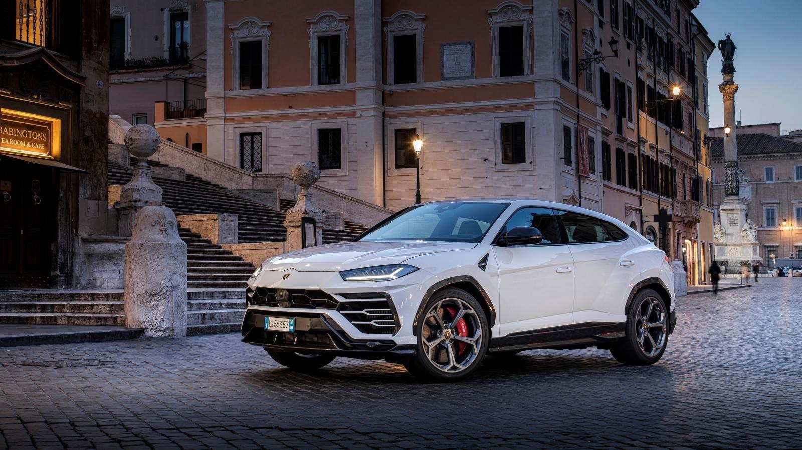 Lamborghini Urus là chiếc siêu xe đang được săn đón trên toàn cầu