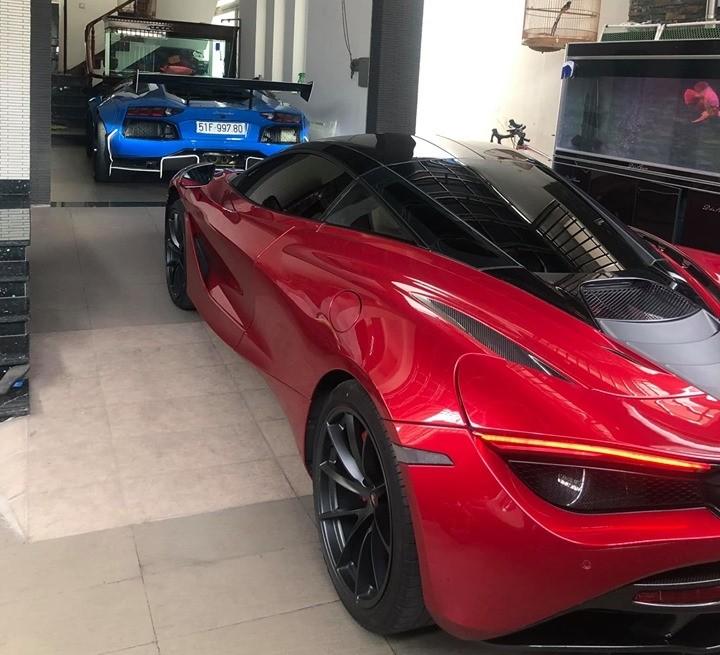 McLaren 720S đỏ Memphis sánh đôi cùng Lamborghini Aventador Limited Edition 50 độ Liberty Walk chỉ có 50 chiếc trên thế giới hiện thuộc sở hữu của doanh nhân Vũng Tàu