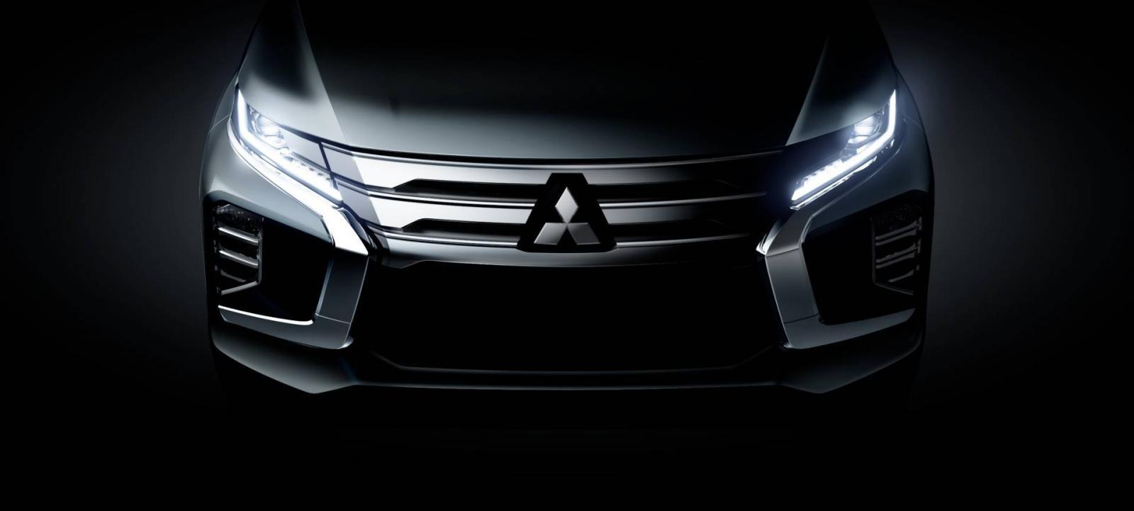 Thiết kế đầu xe theo ngôn ngữ Dynamic Shield của Mitsubishi Pajero Sport 2020