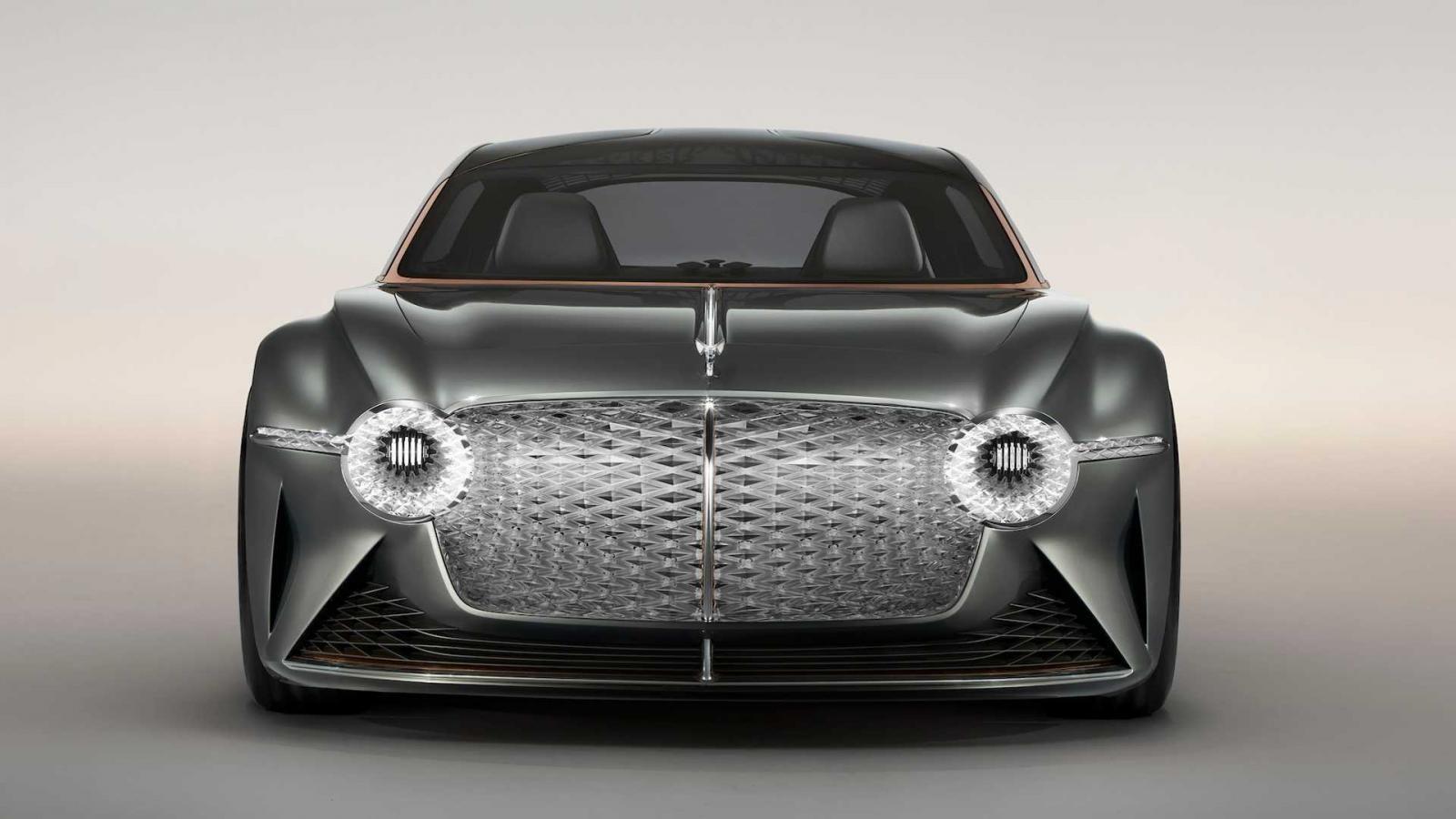 Bentley Electric EXP 100 GT sở hữu lưới tản nhiệt làm từ 6.000 bóng LED