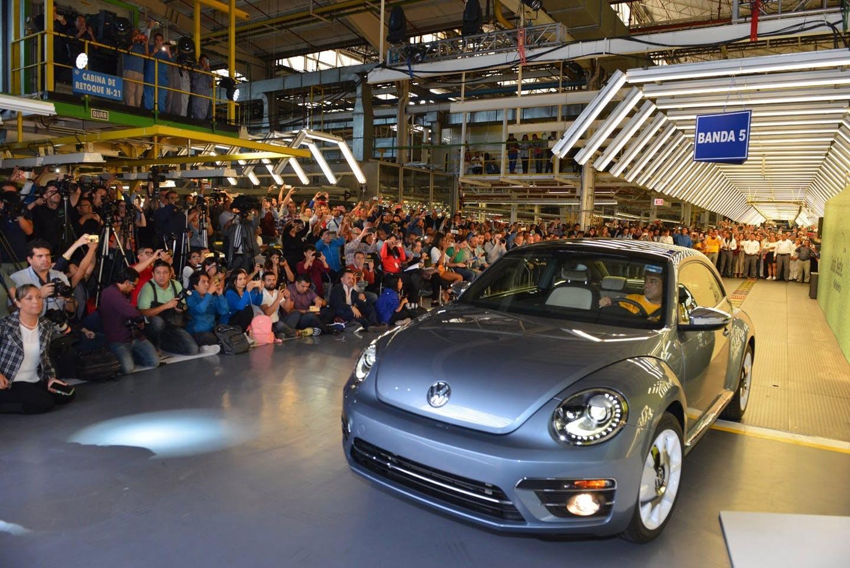 Những chiếc Volkswagen Beetle cuối cùng đã lăn bánh khỏi dây chuyền lắp ráp ởPuebla, Mexico