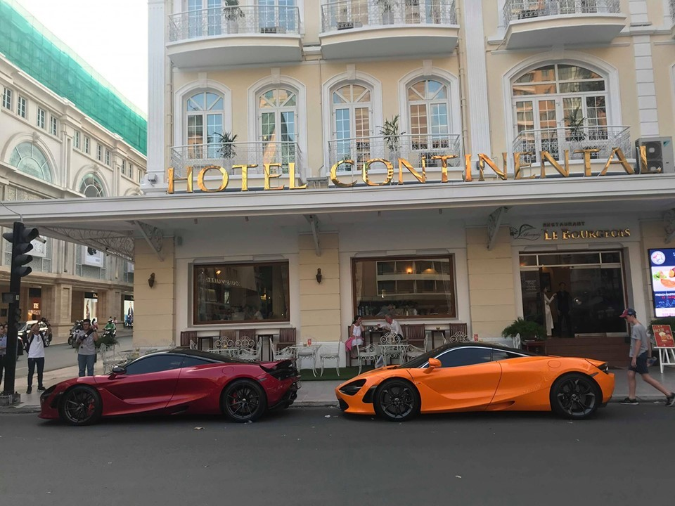 Trong số 5 chiếc siêu xe McLaren 720S có mặt tại Việt Nam, màu đỏ Memphis và cam khá được ưa chuộng
