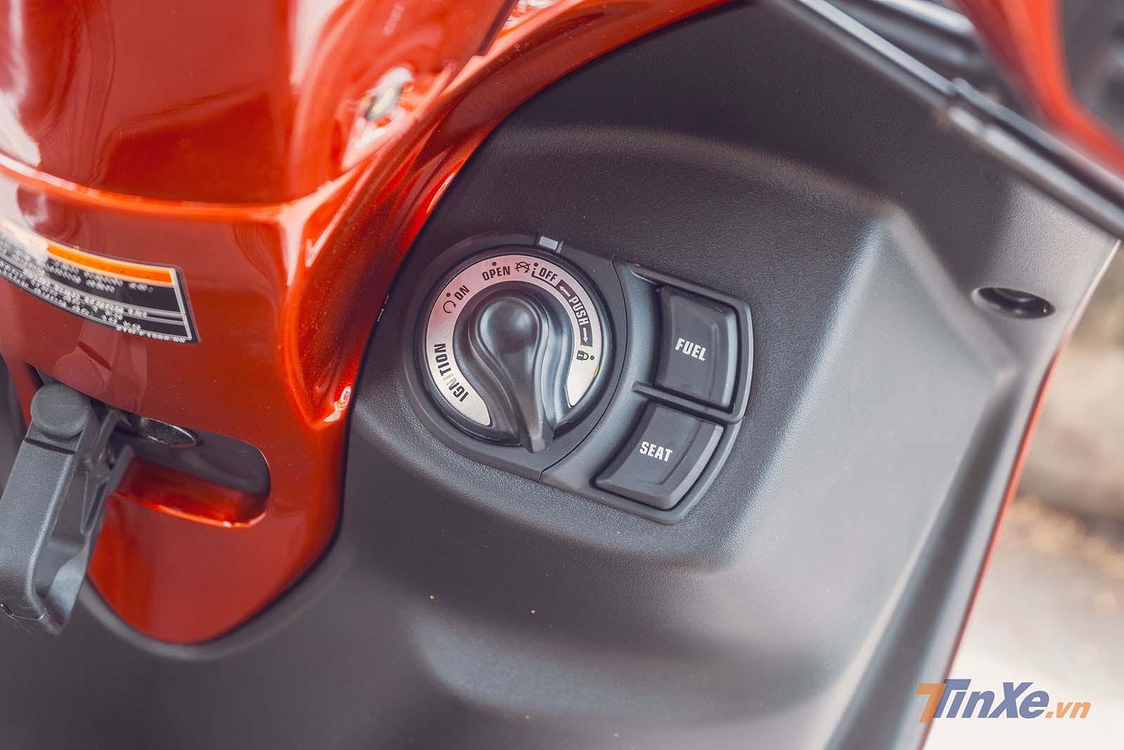 Trang bị khóa thông minh SmartKey là điểm nhấn của Latte