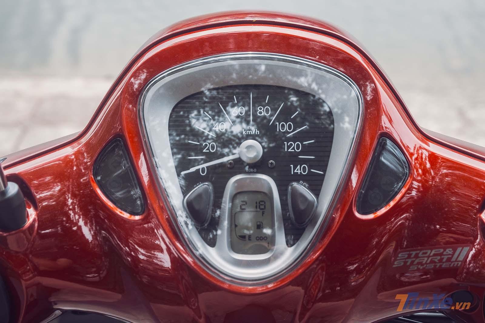Đồng hồ kết hợp công nghệ analog và kỹ thuật số