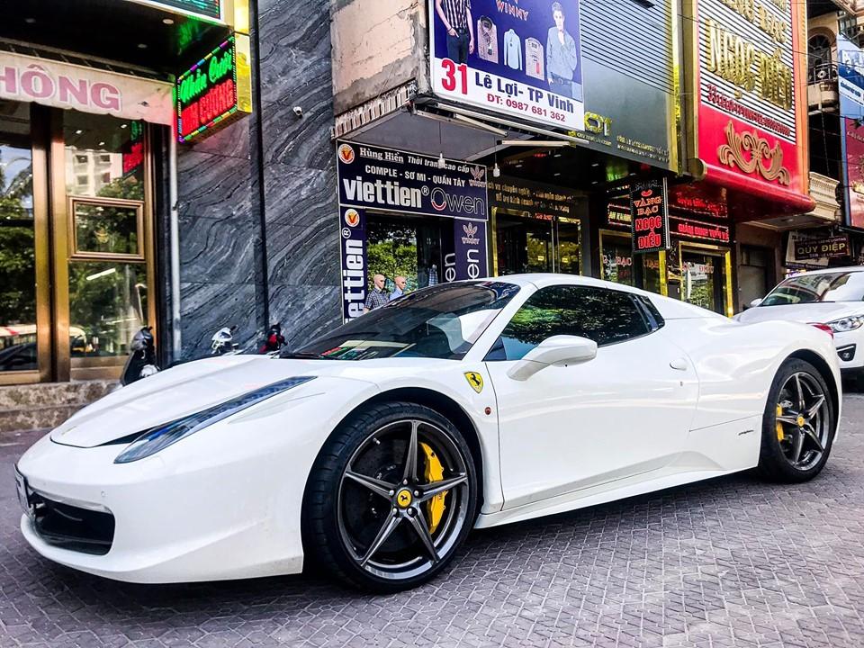 Bạch mã Ferrari 458 Spider mới xuất hiện ở Nghệ An