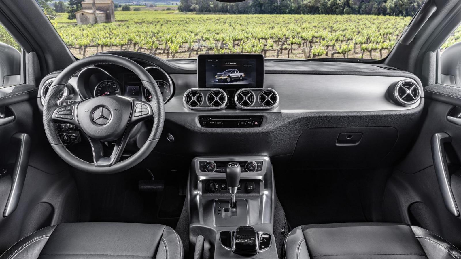Mercedes-Benz X-Class trên thực tế là phiên bản sang hơn của Nissan Navara