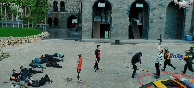 Chiếc xe cảnh sát chỉ xuất hiện khiêm tốn trong bộ phim mới của Lâm Chấn Khang