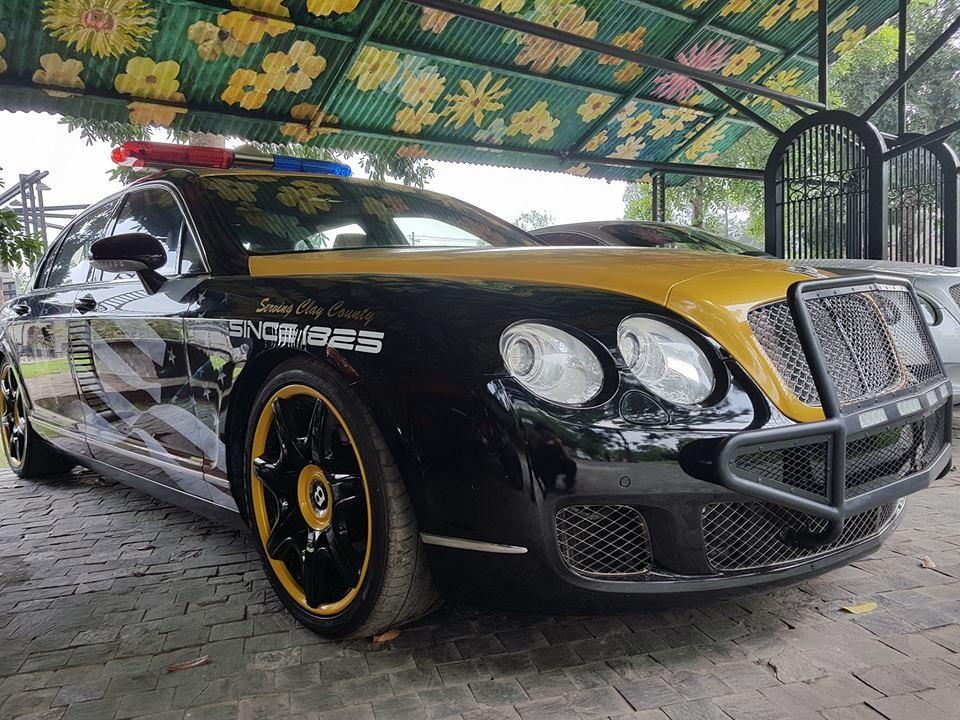 Cận cảnh chiếc Bentley Continental Flying Spur Speed làm xe cảnh sát