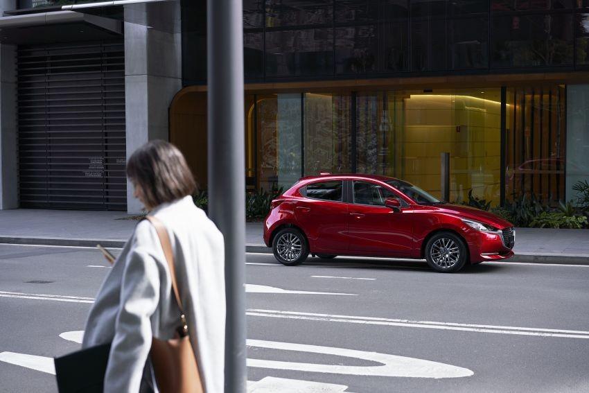 Mazda2 2019 còn có bộ vành hợp kim 16 inch mới