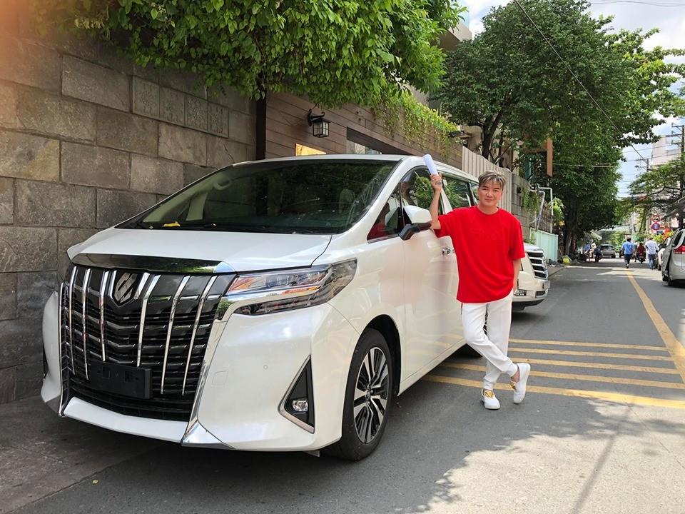Mr. Đàm mới chọn mua MPV hạng sang Toyota Alphard 2019