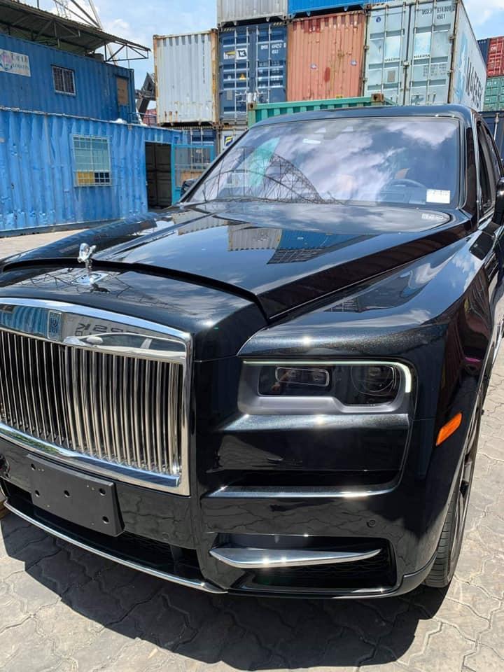 Viên kim cương Rolls-Royce Cullinan mới cập bến tại Sài thành