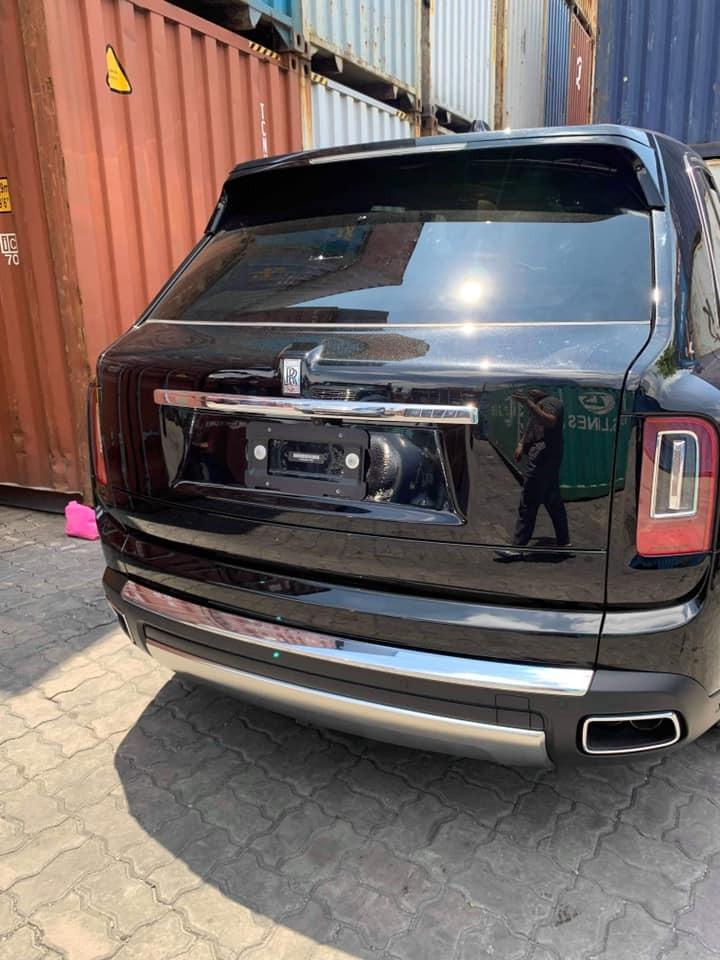 Đây là chiếc SUV siêu sang Rolls-Royce Cullinan thứ 5 tại Việt Nam nhưng lại là chiếc đầu tiên xuất hiện trong Nam
